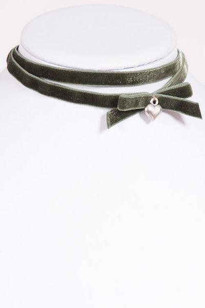 Kropfband Choker aus Samt in dunkelgrün / oliv