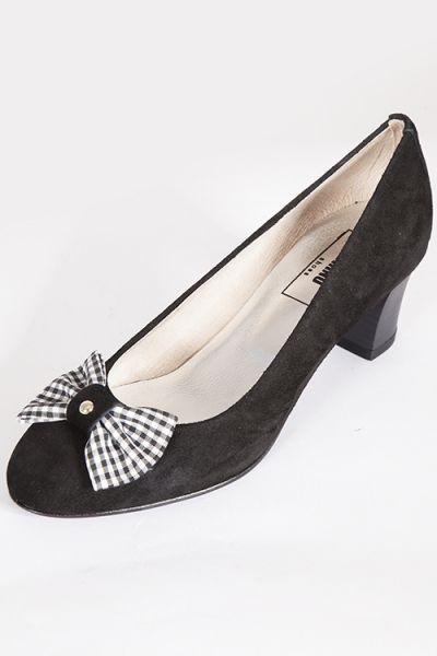 Trachten Pumps für Damem als Dirndl Schuh in schwarz vorn